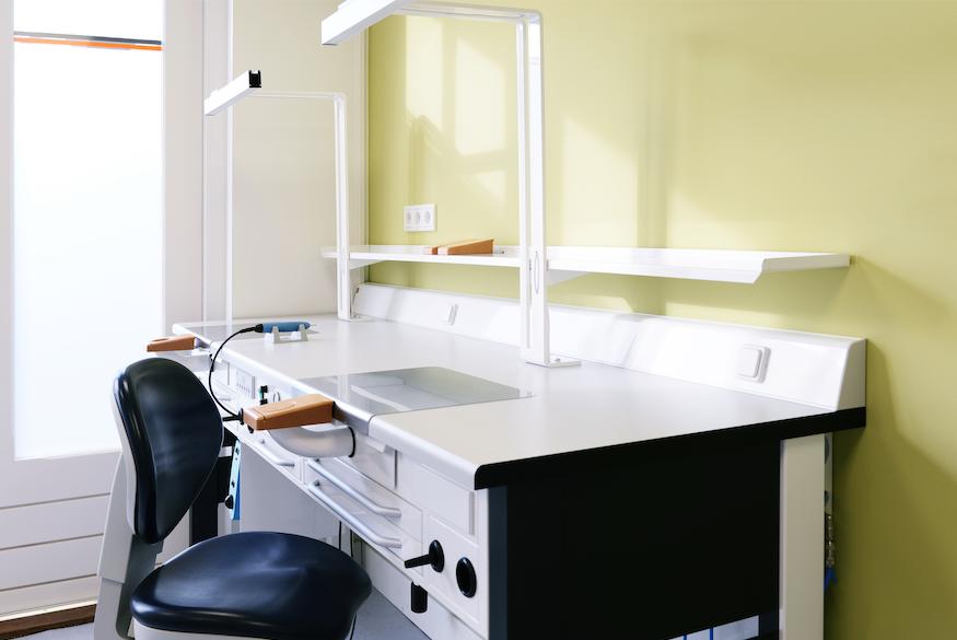 Laboratorium tandtechniek - Kunstgebit Deurne - Tandprothetische praktijk van den Eerenbeemt